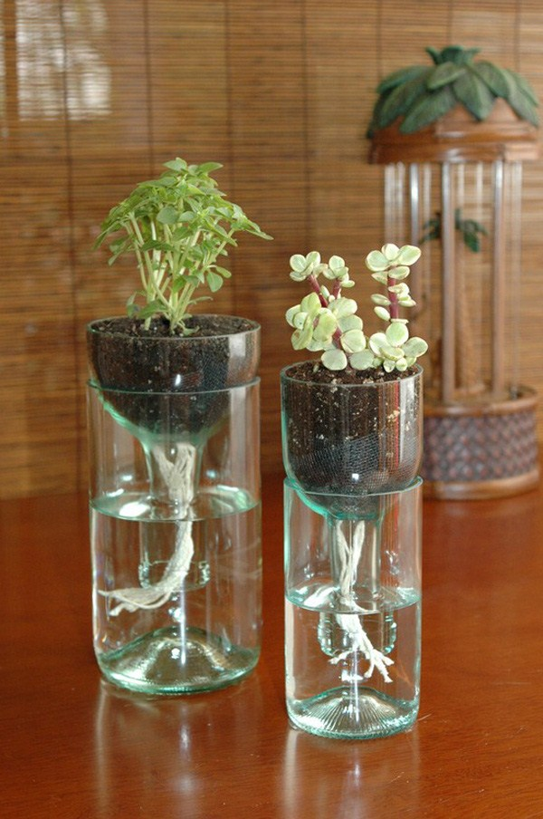 Làm bình hoa từ chai nhựa