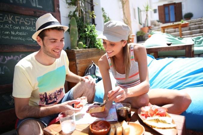 Kinh nghiệm trong việc ăn uống khi đi du lịch dành cho mọi người