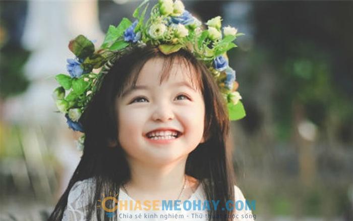 Cười thật tươi giúp bé tự tin hơn khi chụp ảnh