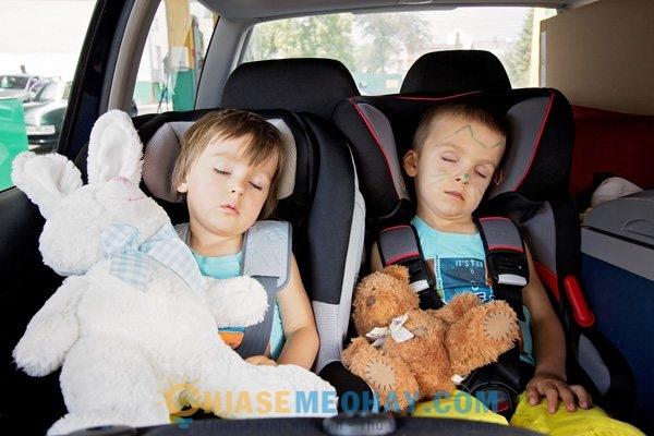 Di du lịch cùng trẻ bằng ô tô