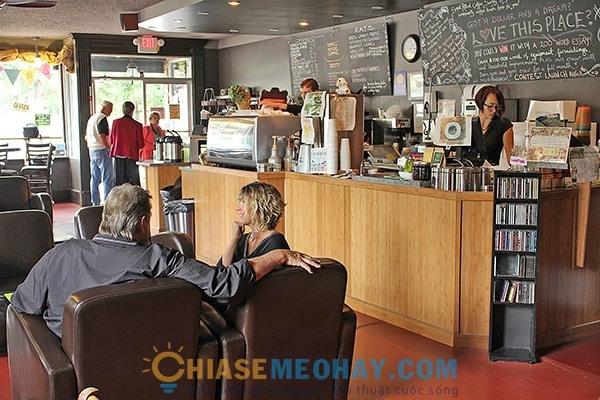 Thiết kế vị trí các đồ vật trong quán cà phê
