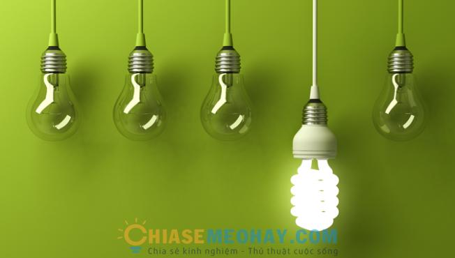 Thay bóng đèn tiết kiệm năng lượng