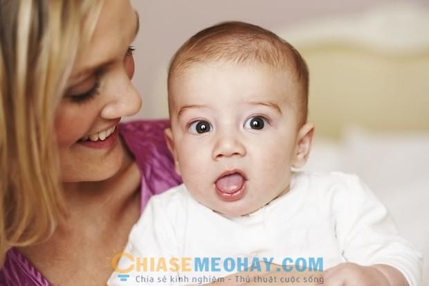 Chăm sóc trẻ sơ sinh: Cách xử lý khi trẻ khóc đêm?