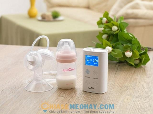 So sánh máy hút sữa bằng tay và máy hút sữa bằng điện