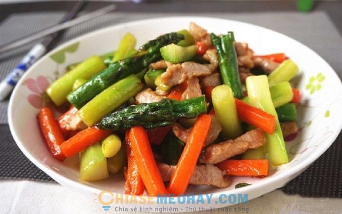 Món ngon mỗi ngày: Cách nấu măng tây xào thịt bò