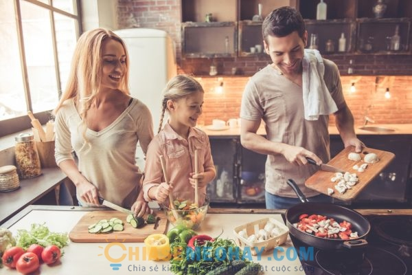 Thời gian chuẩn bị bữa ăn cũng làm gia đình thêm gắn kết