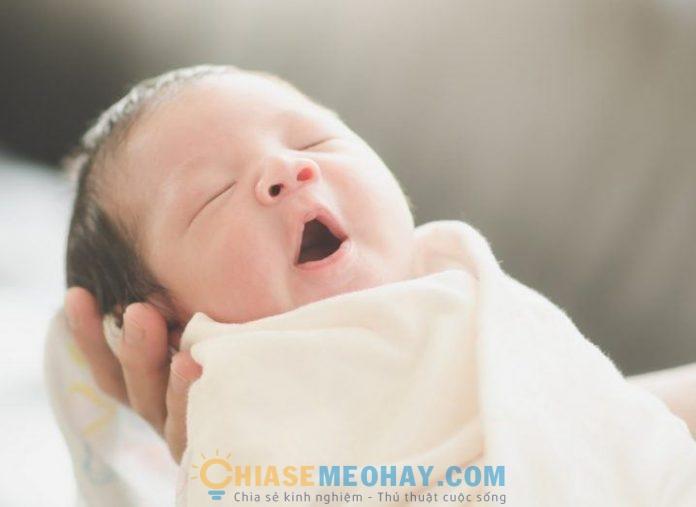 Cách phát triển não bộ cho thai nhi và giúp trẻ ngừng khóc
